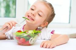 5 trucos para que los niños coman ensalada