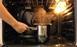 6 métodos altenativos y poco conocidos para limpiar el horno