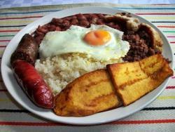 Bandeja Paisa, la riqueza de Colombia en un plato