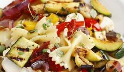 Beneficios de comer pasta con verduras