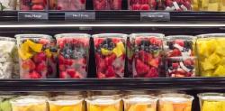 Comer frutas previamente cortada hace mal
