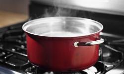 ¿Cómo hervir los alimentos? ¿A partir de agua fría o caliente?