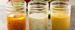 Condimentos, cuáles guardar en el refrigerador (y cuáles no)