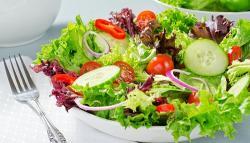 Ensalada: Si estás a dieta, elige bien