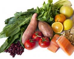 Frutas, coles y bacalao: la dieta nórdica para controlar la presión y el peso