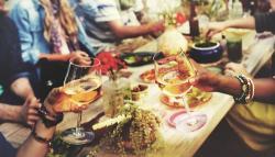 Imprevistos en la mesa: 16 consejos sobre la etiqueta