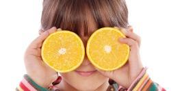 Niños que no comen fruta: trucos para convencerlos