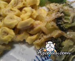 Agnolotti de brócoli con mantequilla de ajo, chile y nuez