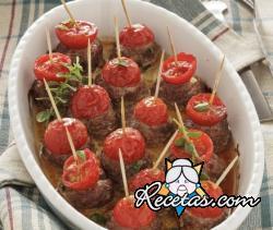 Albóndigas al horno con tomates cherry