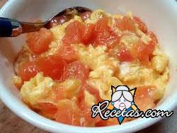 Huevos revueltos con arroz