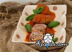 Arrollado de carne a la siciliana