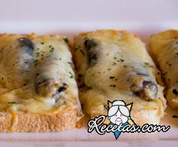 Bruschetta con sardinas