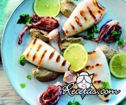 Calamares a la plancha con crema de berenjenas