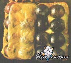 Canapés de palta y uvas