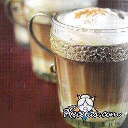 Capuccino con chocolate blanco y leche condensada