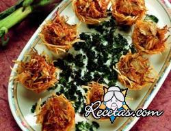 Cestas de patata rellenas de alcachofas