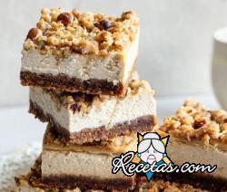 Cheesecake de chocolate con café y avellanas