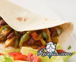 Chile vegetariano en tortillas