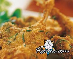 Chuletas de cordero empanadas al romero