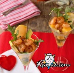 Cóctel de camarones y frutas