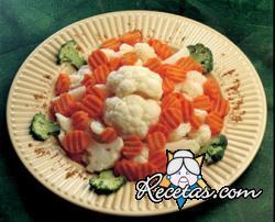 Coliflor y zanahorias marinadas