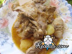 Conejo guisado con patatas
