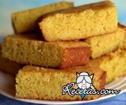 Corn bread, pan de maíz americano