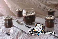 Crema de chocolate con almendras y café