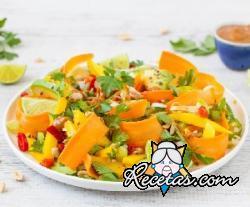 Ensalada de aguacate, mango y zanahoria