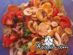 Ensalada de champiñones y tomate