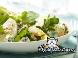 Ensalada de peras, rúcula y queso azul