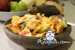 Ensalada indonesa frutas y verduras