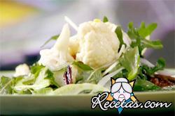 Ensalada de coliflor y pescado