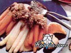 Escalopes con legumbres y crema de hongos