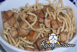 Fideos udon con tofu