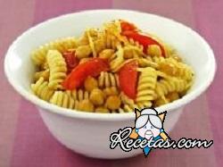 Fusilli de trigo kamut  con garbanzos y tomates