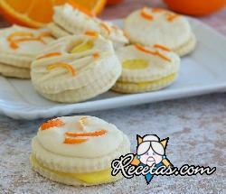 Galletas con crema de naranja y chocolate blanco