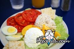 Huevos y tomates al cottage