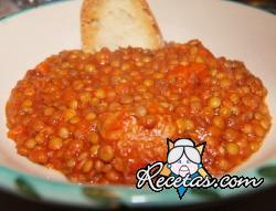 Lentejas con salsa de tomate