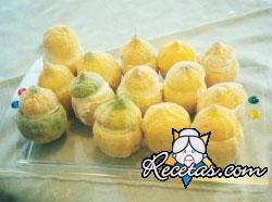 Limones rellenos con mousse de pescado