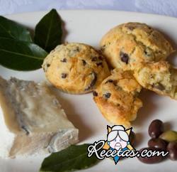 Muffin salados con olivas y queso azul