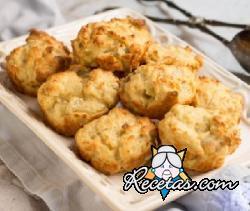 Muffins salados con atún y cebolla