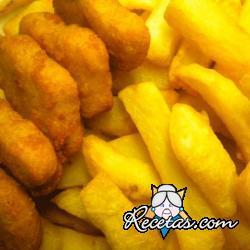 Nuggets de pollo crujientes con patatas fritas