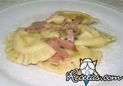 Panzotti de queso azul y prosciutto