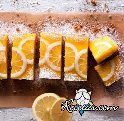 Pastel de bizcochos y crema de limón