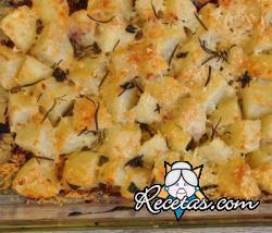 Patatas y cebolla con queso de oveja