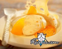 Peras al azafrán con mousse de naranjas