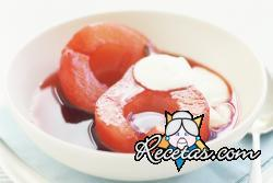 Peras con salsa de frambuesas