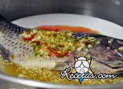 Pescado en dos salsas