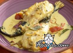 Pescado molee (Filete de pescado con hojas de curry y masala de especias )